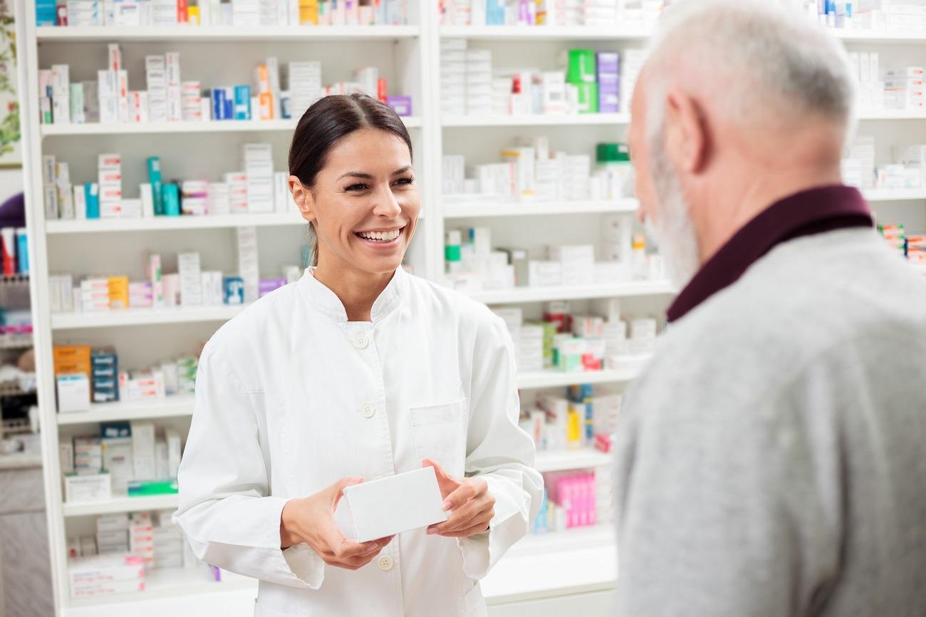 Farmaceuta – jak zostać, zarobki, obowiązki