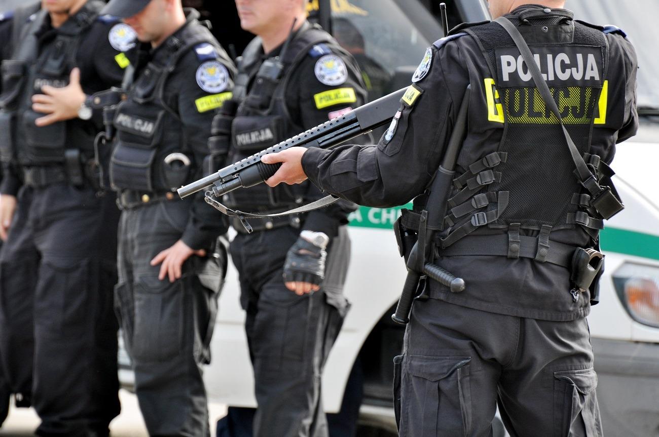 Policjant – co robi, jak zostać, cechy, wymagania, warunki przyjęcia, zarobki